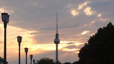 strasse-des-17-juni.berlin: Berlins Straßen und Plätze als Domain